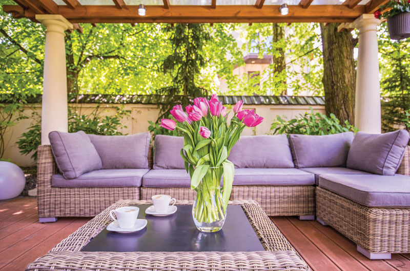 Design a Dream Outdoor Entertaining Space